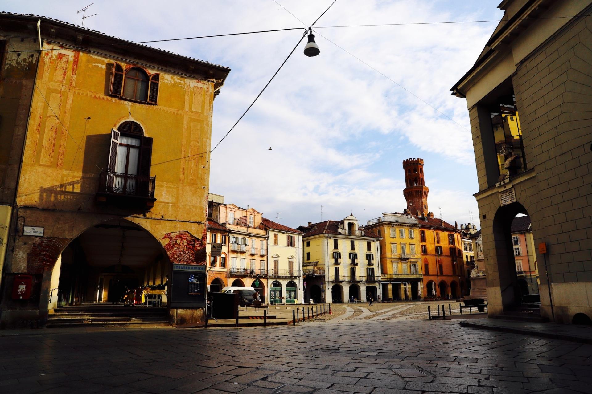 Via Cavour e piazza Cavour